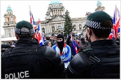 Επεισόδια και συλλήψεις διαδηλωτών στο Μπέλφαστ