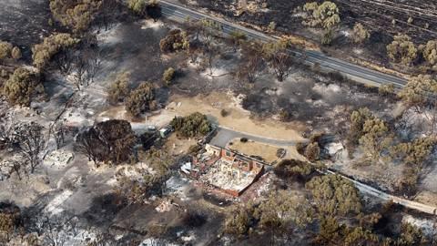 Τουλάχιστον 100 άτομα αγνοούνται από τις πυρκαγιές στην Τασμανία