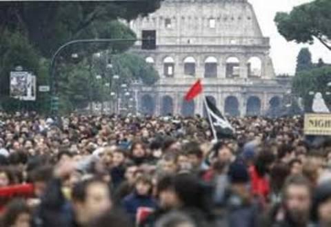 Αυστηρές ποινές για έξι «αγανακτισμένους» στην Ιταλία