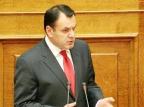 Αντιπαράθεση κυβέρνησης-ΣΥΡΙΖΑ για τα Προγράμματα Κοινωφελούς Εργασίας