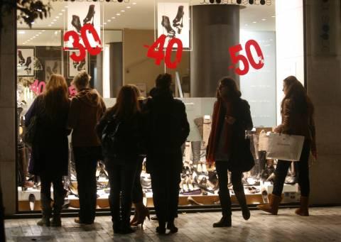 ΕΣΕΕ: Τι πρέπει να προσέξουν οι έμποροι στις εκπτώσεις