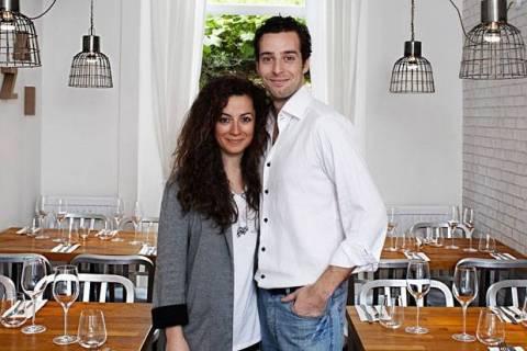 Μazi: Tο ελληνικό εστιατόριο στο Λονδίνο που έχει γίνει στέκι διασήμων
