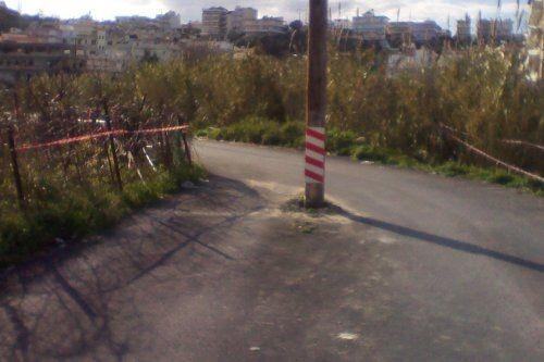 Κρήτη: Γύρω-γύρω δρόμος και στη μέση... η κολώνα (pics)