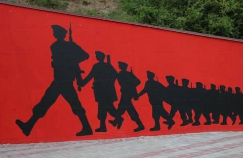 Βίντεο: Επανεμφάνιση του Αλβανικού Εθνικού Στρατού