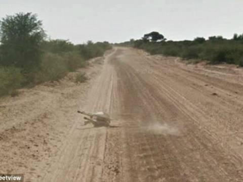 Αυτοκίνητο της Google παρέσυρε και σκότωσε γάιδαρο; (pics)