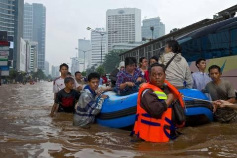 Φονικοί μουσώνες πλήττουν την Ινδονησία