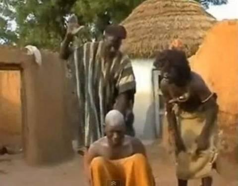Βίντεο: Με …καρπαζιές «θεραπεύουν» τον πονοκέφαλο στη Μοζαμβίκη!