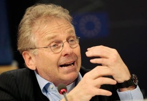 Ένωση χρέους στην Ευρώπη βλέπει ο Μπεντίτ μετά τις γερμανικές εκλογές