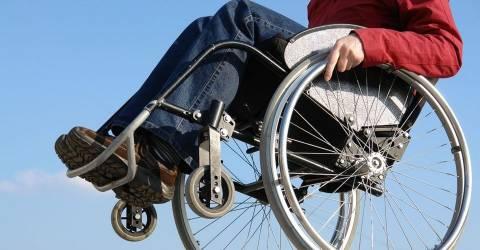 Επιστολή: Ξέρετε τι σημαίνει να ζει ένας ανάπηρος με 313 ευρώ το μήνα;