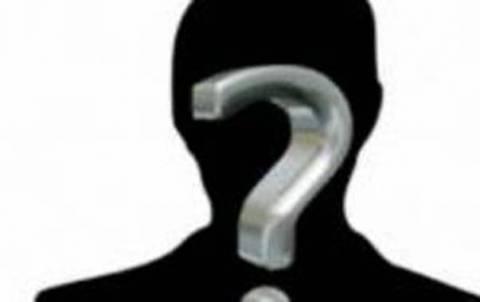 Ποιος «πολυτάλαντος» παρουσιαστής ψάχνει «βύσμα» για το στρατό;