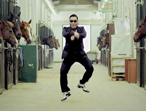 Απίστευτο: Είναι 7 μηνών και χορεύει Gangnam style!