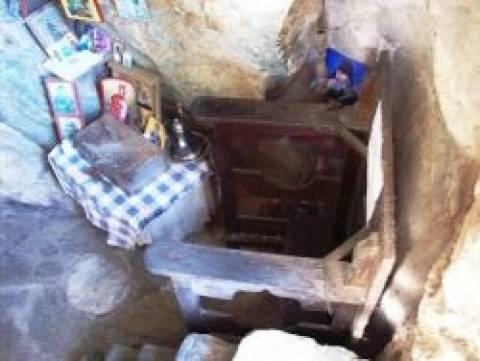 Βίντεο: Το σπήλαιο του Αγίου Γερασίμου στο Άγιο Όρος