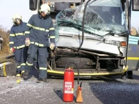 Πορτογαλία: Δέκα νεκροί από πτώση λεωφορείου σε χαράδρα
