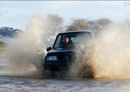 Εκπέμπουν συναγερμό για τις πλημμύρες- Βυθίζονται περιοχές(pics)