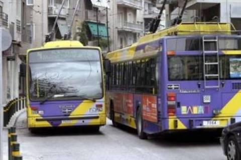Νέο «μέτωπο» ανοίγει η κυβέρνηση με λεωφορεία και τρόλεϊ