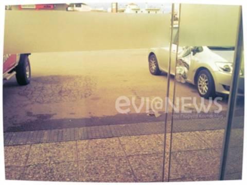 Χαλκίδα: Τα σημάδια της πόρτας που έκαναν κρεοπώλη να παγώσει (pics)