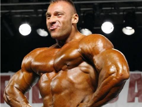 Απίστευτες εικόνες: Δείτε τον βαρύτερο bodybuilder του κόσμου (vid)