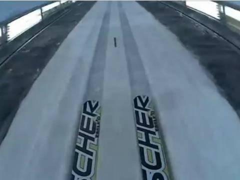 Εντυπωσιακό: Δείτε πώς είναι να «πετάς» με τα σκι (vid)