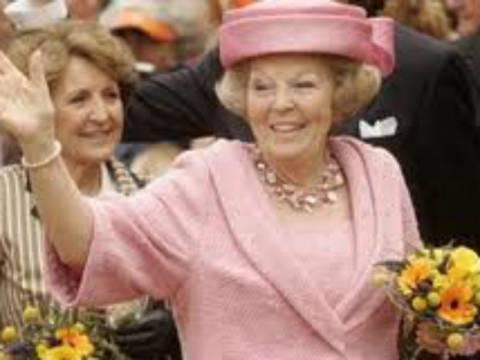 Ολλανδία: Παραιτήθηκε από το θρόνο η βασίλισσα Βεατρίκη