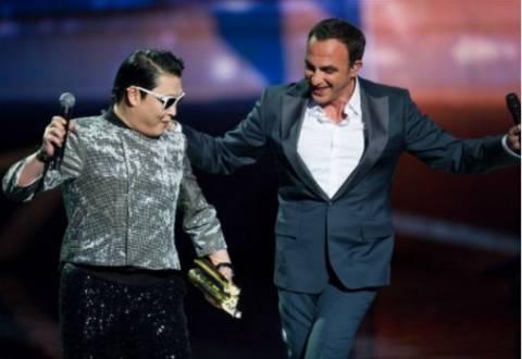 O Aλιάγας έβαλε τον Psy να χορέψει...συρτάκι!