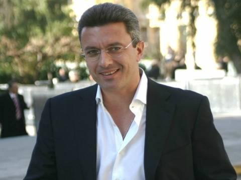 Νίκος Xατζηνικολάου: Να πουν στον Αμβρόσιο ότι φοράει ράσο, όχι ρόμπα
