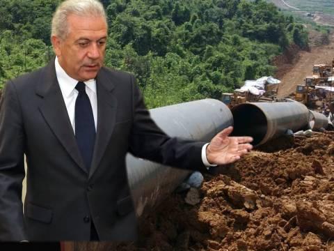 Συμφωνία πέτυχε ο Αβραμόπουλος για τον αγωγό φυσικού αερίου TAP