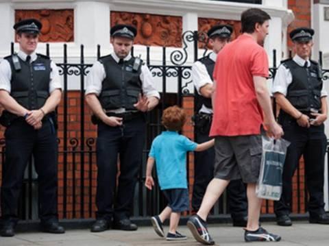Η βρετανική αστυνομία χρησιμοποιούσε τα ονόματα νεκρών παιδιών