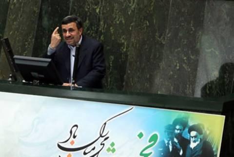 Ο Αχμαντινετζάντ θέλει να πάει στο διάστημα