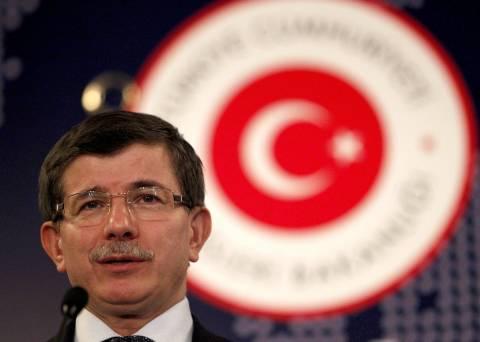 Ο Νταβούτογλου θέτει θέμα «τουρκικής» μειονότητας στα Δωδεκάνησα!
