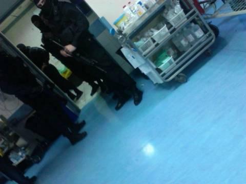 Φωτογραφίες την ώρα της εξέτασης του Μπουρζούκου στο νοσοκομείο