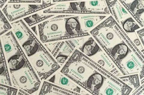 Ο μέσος μισθός στη Ρωσία θα φθάσει τα 2.000 δολάρια!