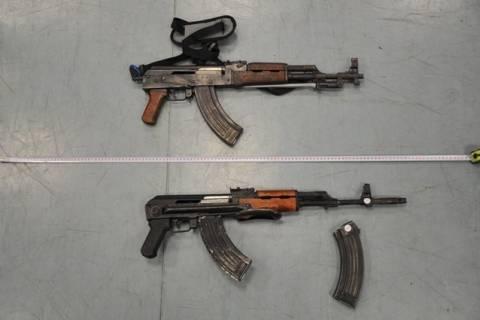 Αυτά είναι τα όπλα που είχαν οι συλληφθέντες του Βελβεντού (pics)