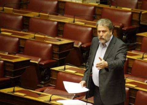 Μαριάς: Η κυβέρνηση συνεχίζει να απαξιώνει τη Βουλή