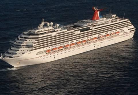 «Όμηροι» 3.000 επιβάτες σε ακυβέρνητο κρουαζιερόπλοιο στον Ατλαντικό