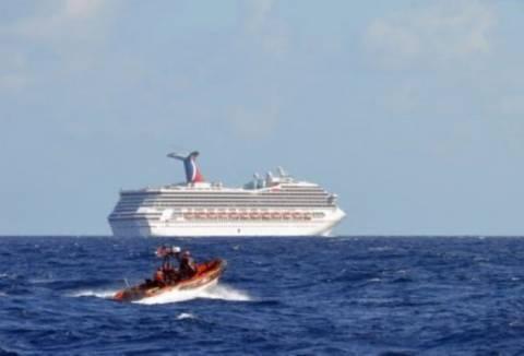 Συνεχίζεται ο εφιάλτης στο ακυβέρνητο κρουαζιερόπλοιο