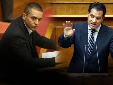 Βίντεο: Χαμός στη Βουλή -  Κασιδιάρης σε Άδωνι: «Είσαι τρελός»