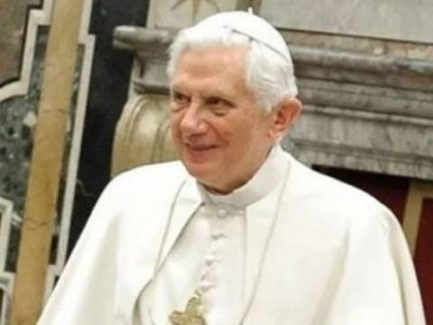 Ο βιογράφος του Πάπα Βενέδικτου προβλέπει πόλεμο!