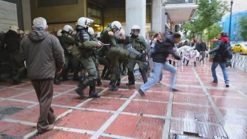 ΣΥΡΙΖΑ: Έτσι μας χτύπησαν και μας ψέκασαν (ΦΩΤΟ)