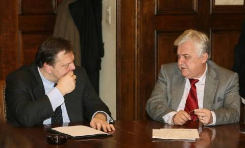 Συνάντηση Βενιζέλου – Αλ. Παπαδόπουλου με φόντο την κεντροαριστερά
