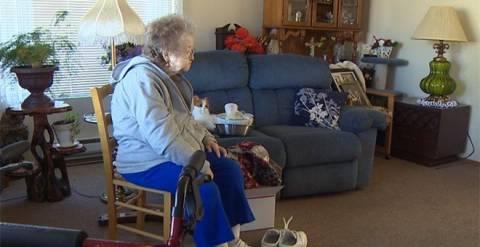 ΣOK: 91χρονη ξεπουλά τα πάντα για να κηδέψει τον άντρα της!