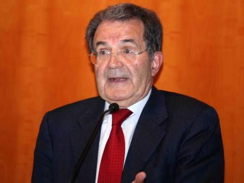 Να «ψηφίσουν ενωμένοι» καλεί τους ιταλούς ο Ρομάνο Πρόντι