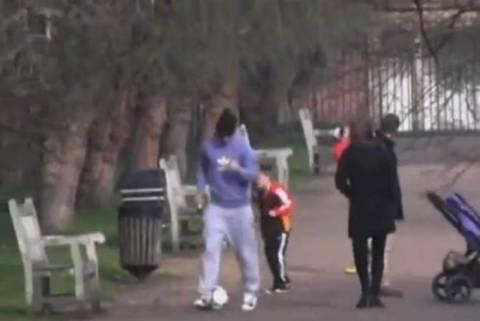Μπέκαμ: Ποδόσφαιρο στο... πάρκο του Λονδίνου! (video)