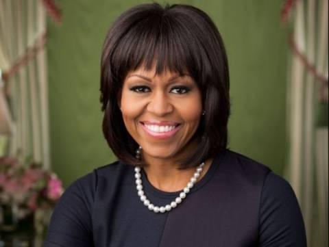 Η Μισέλ Ομπάμα έχει και επισήμως νέο χτένισμα