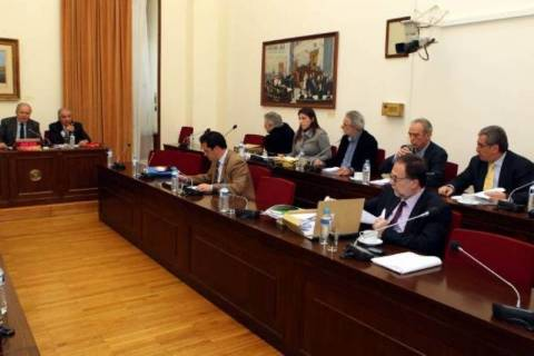 Συνεργάτες Παπακωνσταντίνου: Δεν πήραμε ποτέ τη λίστα Λαγκάρντ