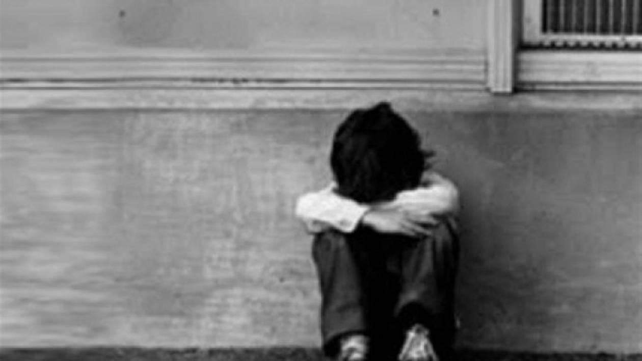 Φρίκη: Έδεναν το παιδί τους με αλυσίδα επειδή ήταν... άτακτο