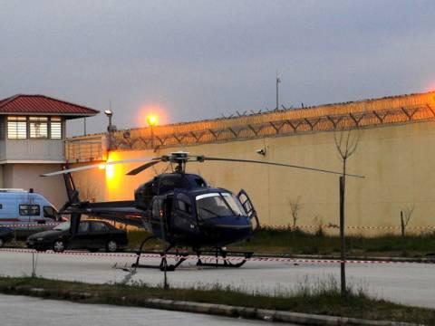 Με ταυτότητα αστυνομικού νοίκιασαν το ελικόπτερο