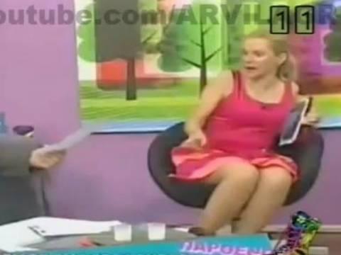 Ξεκαρδιστικό βίντεο: Η Μαρία Μπεκατώρου και η μύγα του... Αυγούστου!