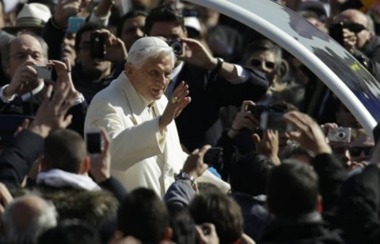 Όλοι θέλουν να δουν τον Πάπα (για τελευταία φορά)