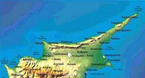 FT: Σχοινοβατεί το κυπριακό δημόσιο χρέος