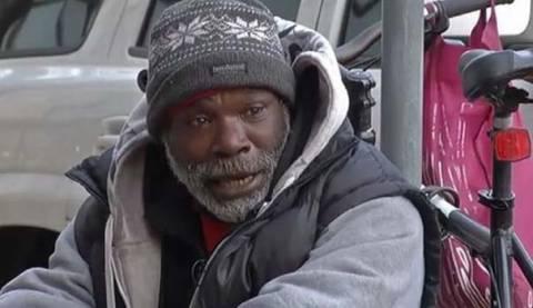 Απίστευτη ιστορία: Άστεγος επέστρεψε δαχτυλίδι και έγινε πλούσιος